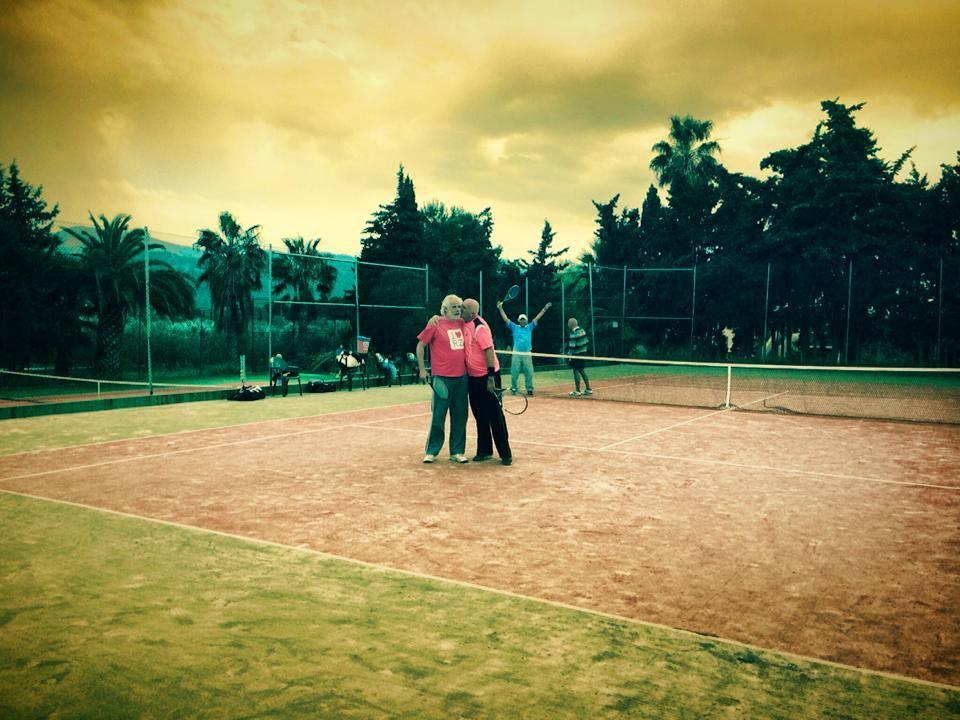 social tennis finca guila
